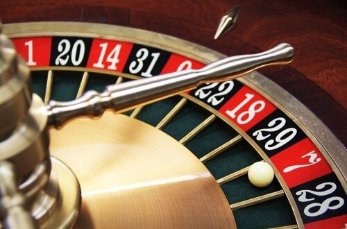 online-casino-payment-roulette-wheel